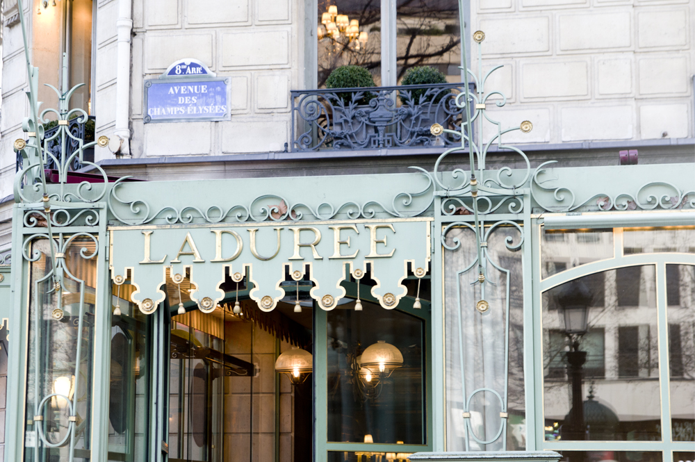 boutique-laduree-champs-elysees